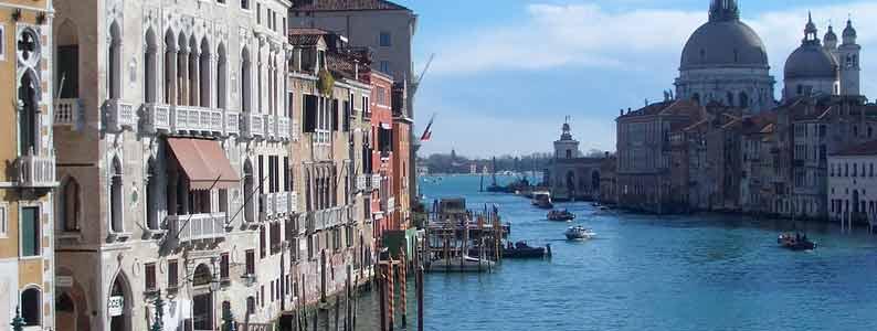 ITALIA MONUMENTAL _______________________________ _____________ITALIA_____________